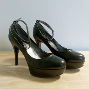 GUESS LEATHER HIGH HEEL SHOES